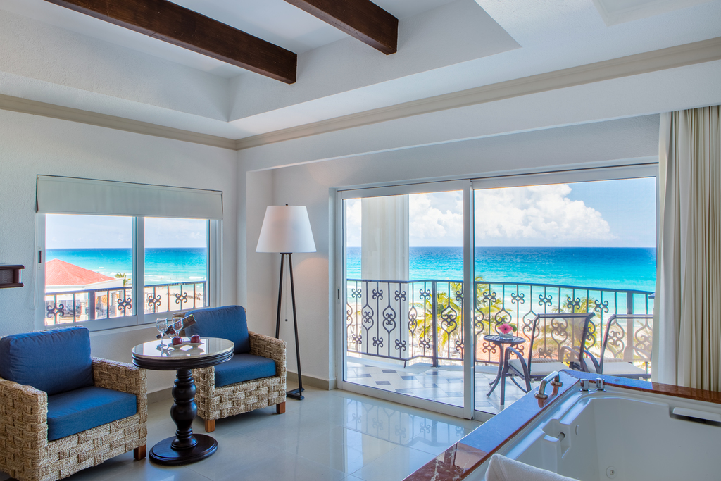 Hyatt-Zilara-Cancun-Ocean-Front-Luxury-Suite-King-Seating-Area