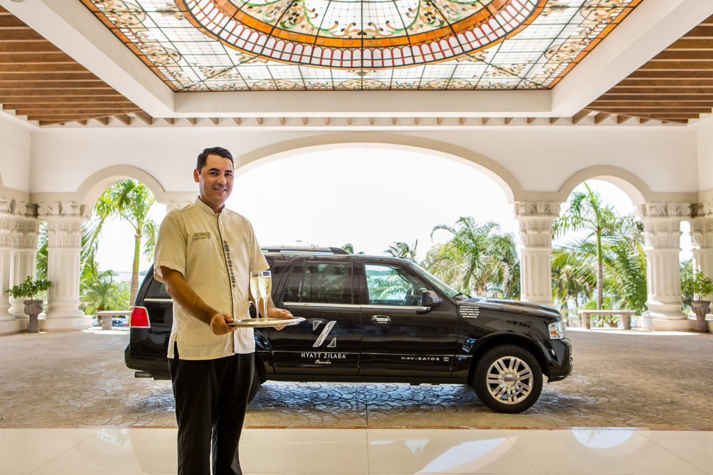 Hyatt-Zilara-Cancun-Resort-Private-Transfer-Welcome-Service