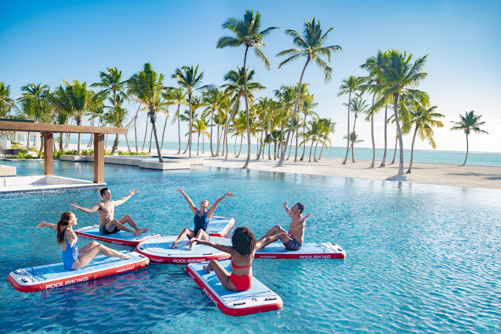Hyatt-Zilara-Cap-Cana-Pool-Activities-Couples-2