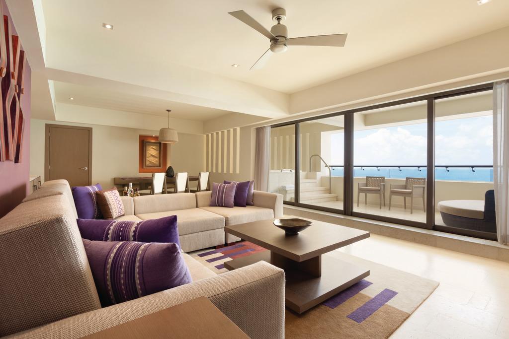 Hyatt-Ziva-Cancun-Club-Ocean-Front-Master-Suite-Living-Area