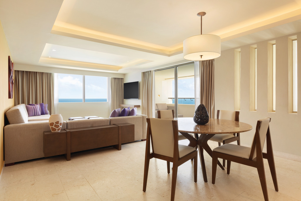Hyatt-Ziva-Cancun-Club-Two-Bedroom-Ocean-Front-Suite-Dining-Area