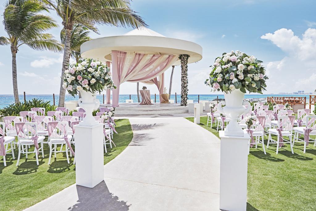Hyatt-Ziva-Cancun-Gazebo-Wedding