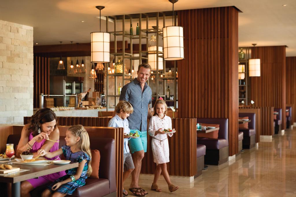 Hyatt-Ziva-Cancun-Tradewinds-Family-Dining