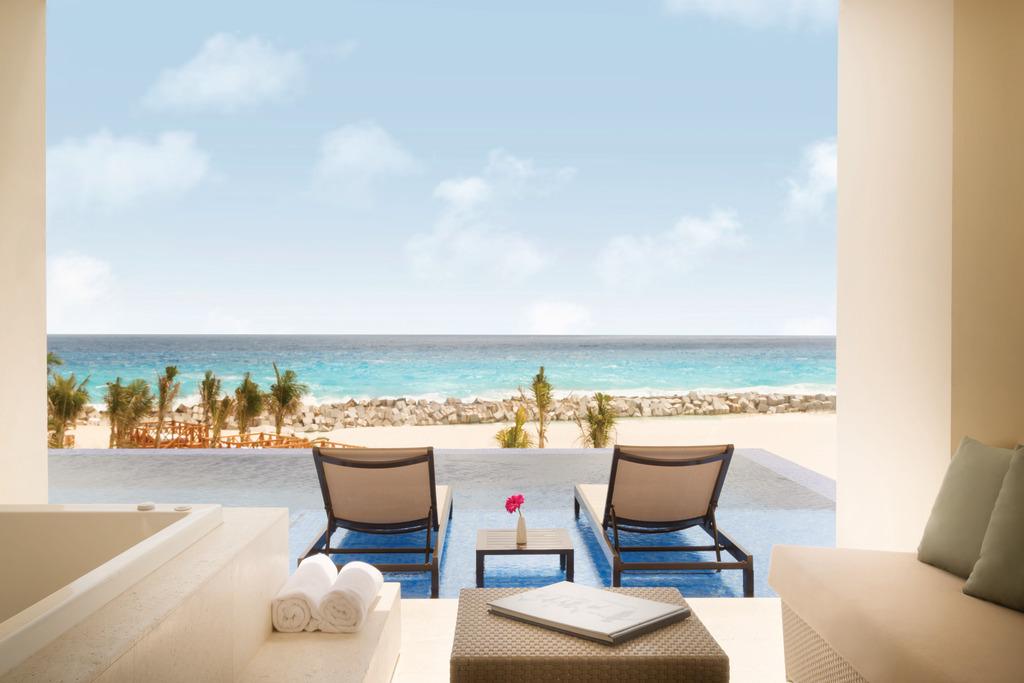 Hyatt-Ziva-Cancun-Turquoize-Sky-Swim-Up-Ocean-Front-Master-Double-View