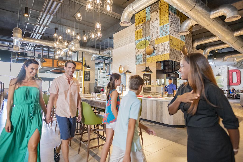 Hyatt-Ziva-Cap-Cana-El-Mercado-Family-2