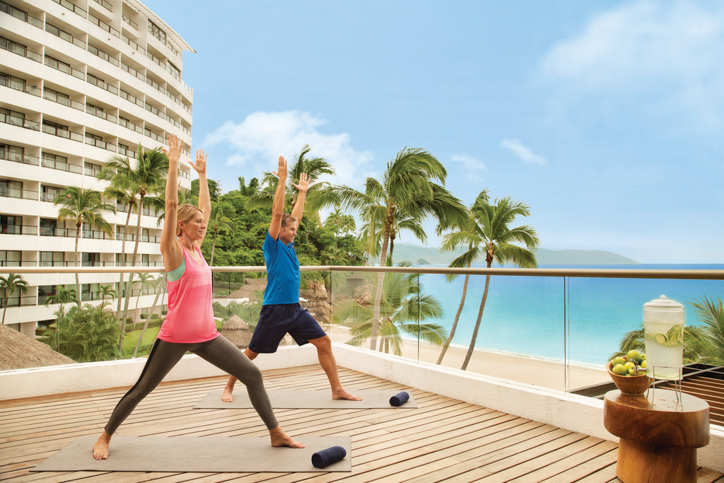 Hyatt-Ziva-Puerto-Vallarta-Yoga