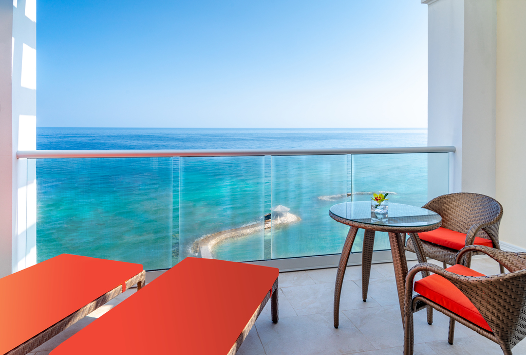 Jewel-Grande-Montego-Bay-Oceanfront-Jr-Suite-VISTA