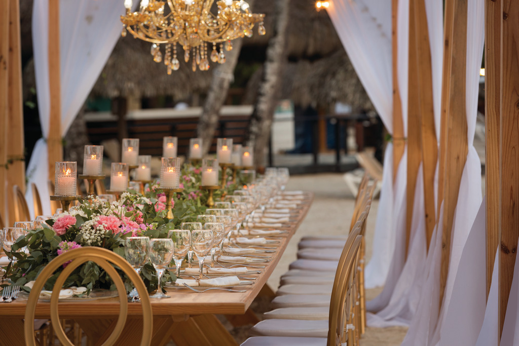 LRMDO_Beach_Wedding_Setup_01