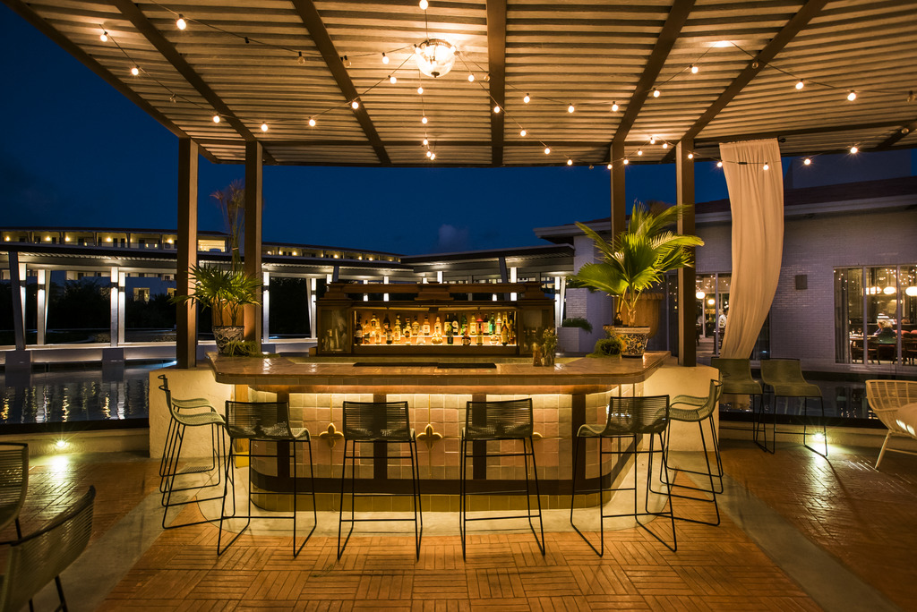 Palmera Lounge-outside bar