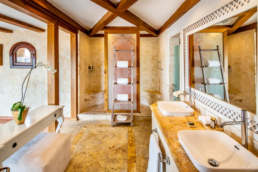 Sanctuary-Cap-Cana-Royalty-Villa-bath-112