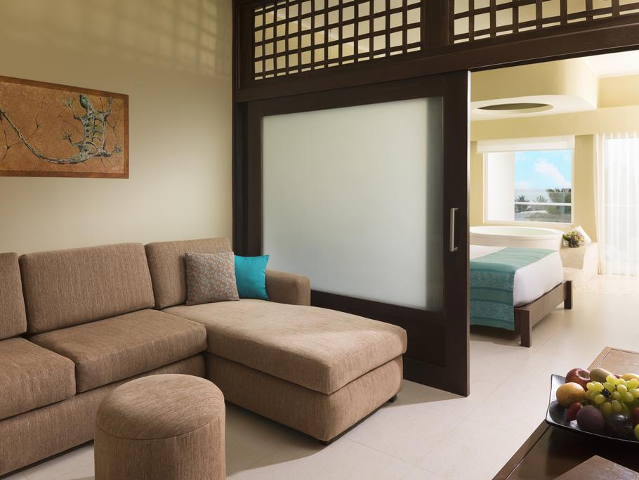 Azul Sensatori Mexico – Family-Jacuzzi-Suite-4412-Living-Area