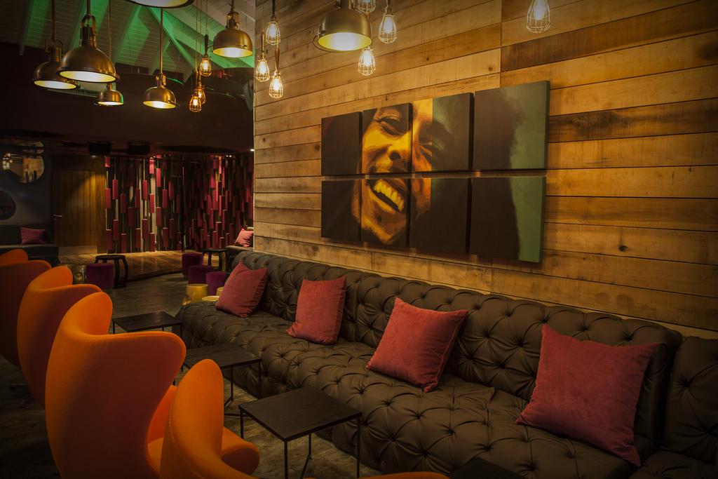 Restaurants AZSJ_Nesta-Rasta-Lounge