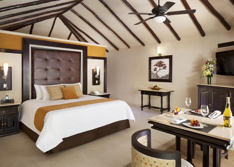 El Dorado Casitas Royale – CASITA SUITE-bedroom1
