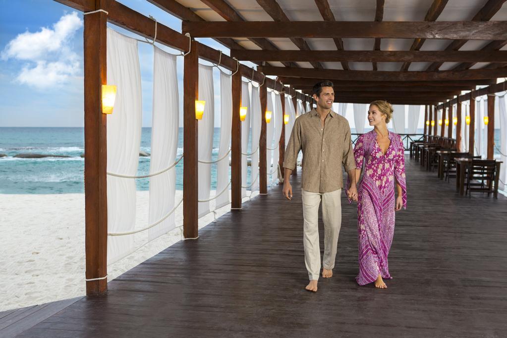 El Dorado Royale – Couple-Jojo-Pier