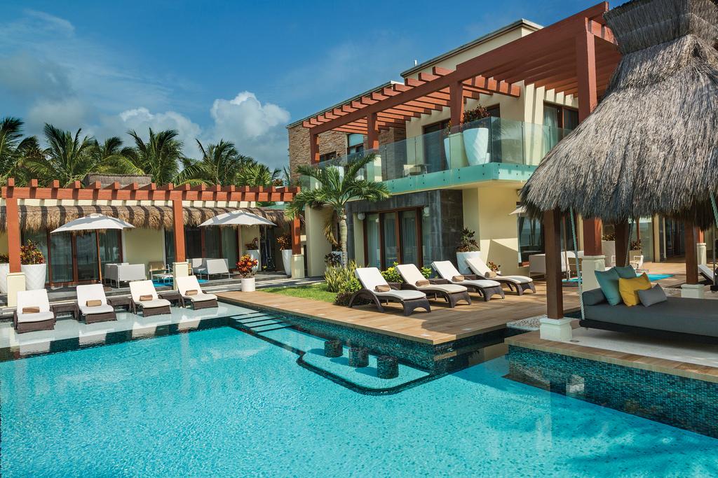 Villa-Esmeralda-Pool.