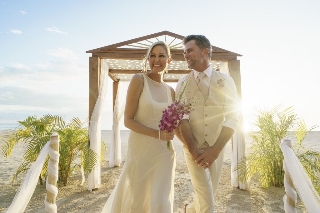 couples_weddingssweptaway-10-5e5840a89c564-1500×1000