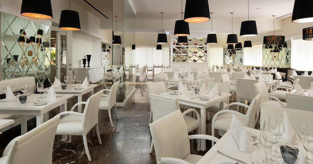 11203a-MeliaCaribeBeach-Alma_Restaurant_spanish