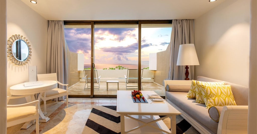 113ParadisusCancun-Royal_Service_Paradisus_Luxury_Suite_Living_Room_Ocean_View_