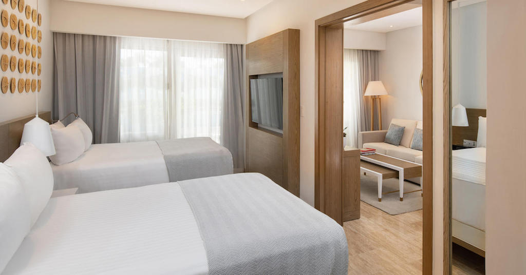 1554aGrandReserveAtParadisusPalmaReall-One_Bedroom_Swim-up_Suite_bedroom-2