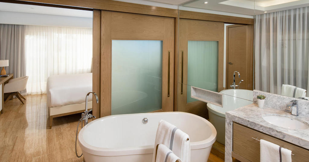 1666cGrandReserveAtParadisusPalmaReall-One_Bedroom_Master_Suite_bathroom
