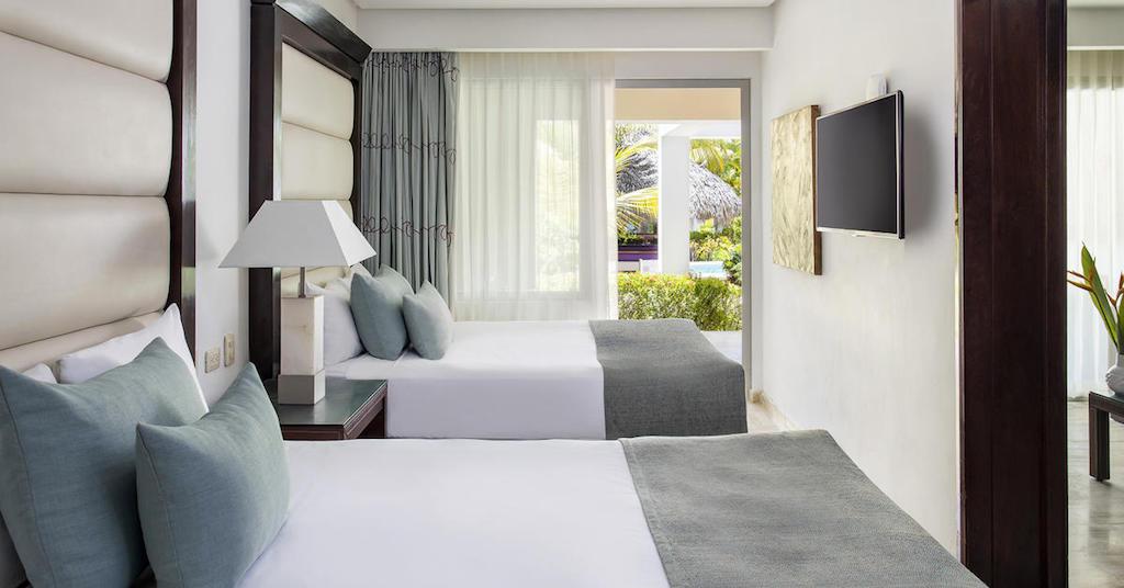 17736ParadisusPalmaRealTHR-One_Bedroom_Suite_Swim_Up_Double_Beds-2