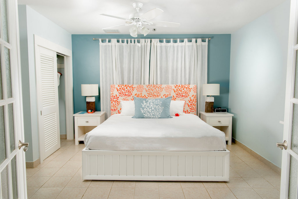 beach_house_tc-bedroom-king-A