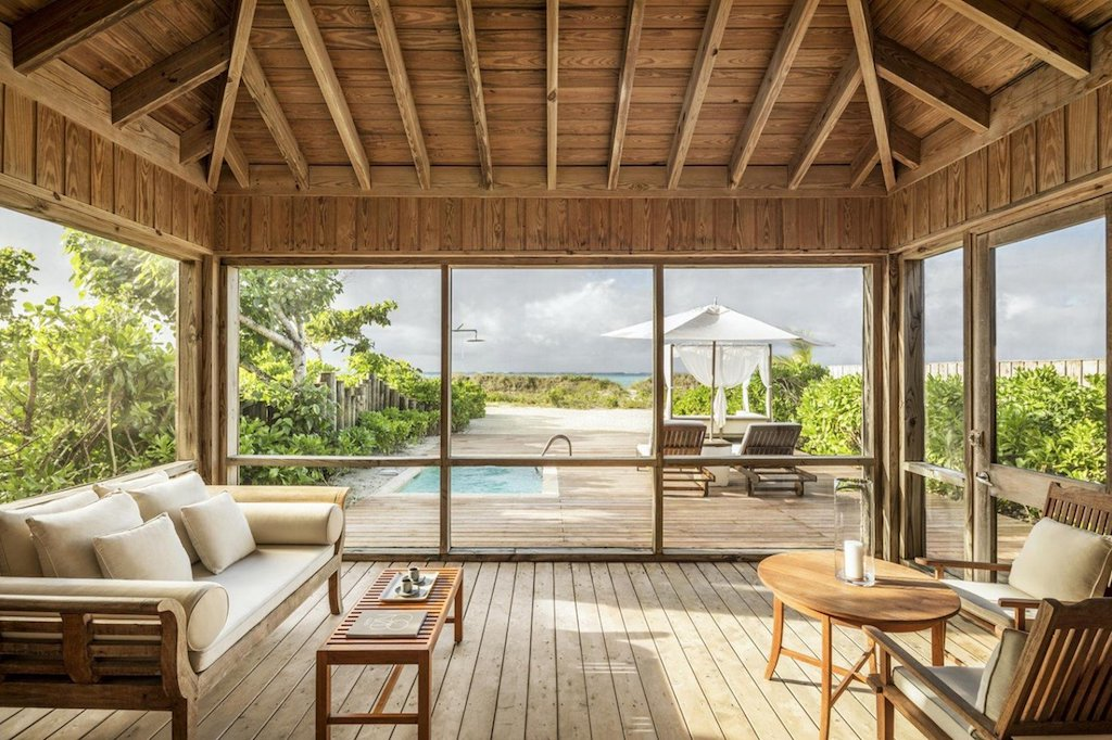 ll-_como_parrot_cay_-_one_bedroom_beach_villa_-_outdoor_living_area