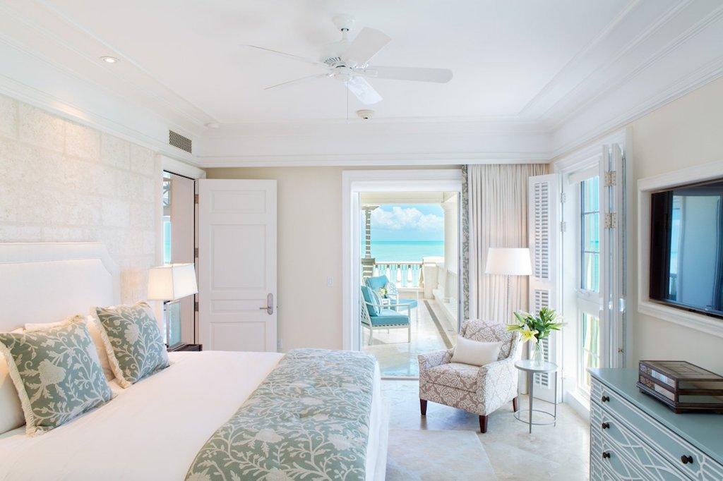 vv-SHORE_CLUB-TC-deluxe_ocean_front_master_bedroom