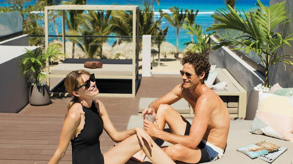 EX_EC-ECLUB-beachfront-honeymoon-suite-in-punta-cana-dominican-republic