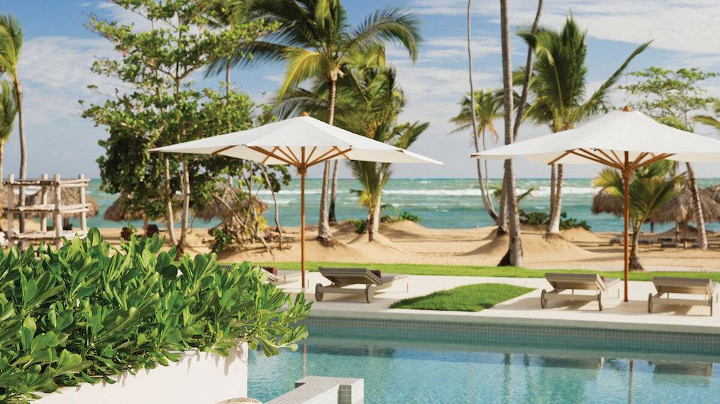 EX_EC-ECLUB-honeymoon-OF-swim-up-suites-in-all-inclusive-resorts-1