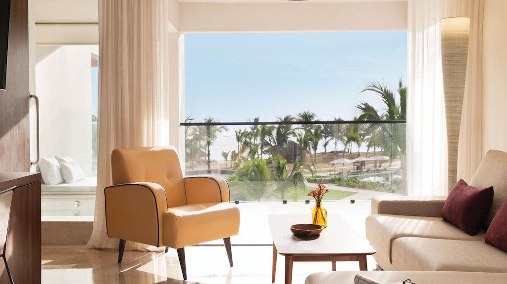 EX_EC-luxury-junior-suite-ocean-view-punta-cana-1