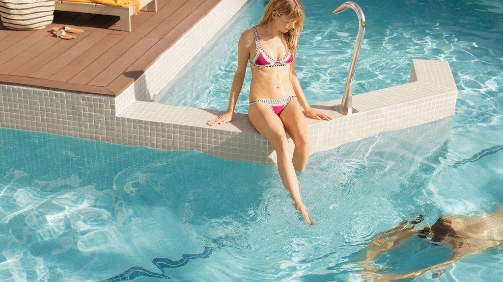EX_EC_2-swim-up-suites-dominican-republic-resort-1