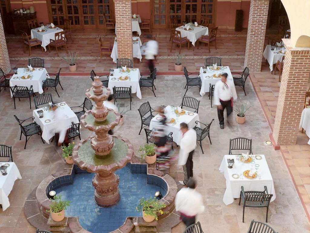 EXRC_riviera-maya-mexican-restaurant