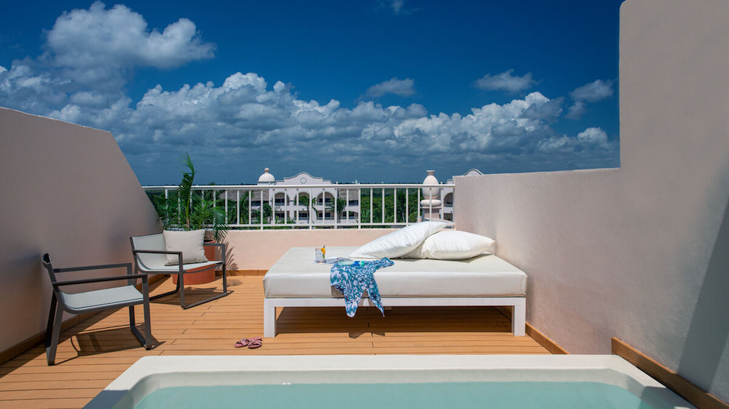 EX_RC-two-story-rooftop-terrace-suite-spa-or-pool-view-excellence-riviera-cancun-66-jpg