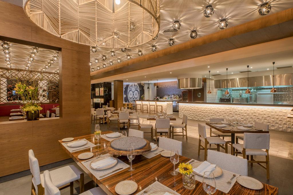 cta_Haven_riviera-cancun-dining-aguabendita-signature_2_orig