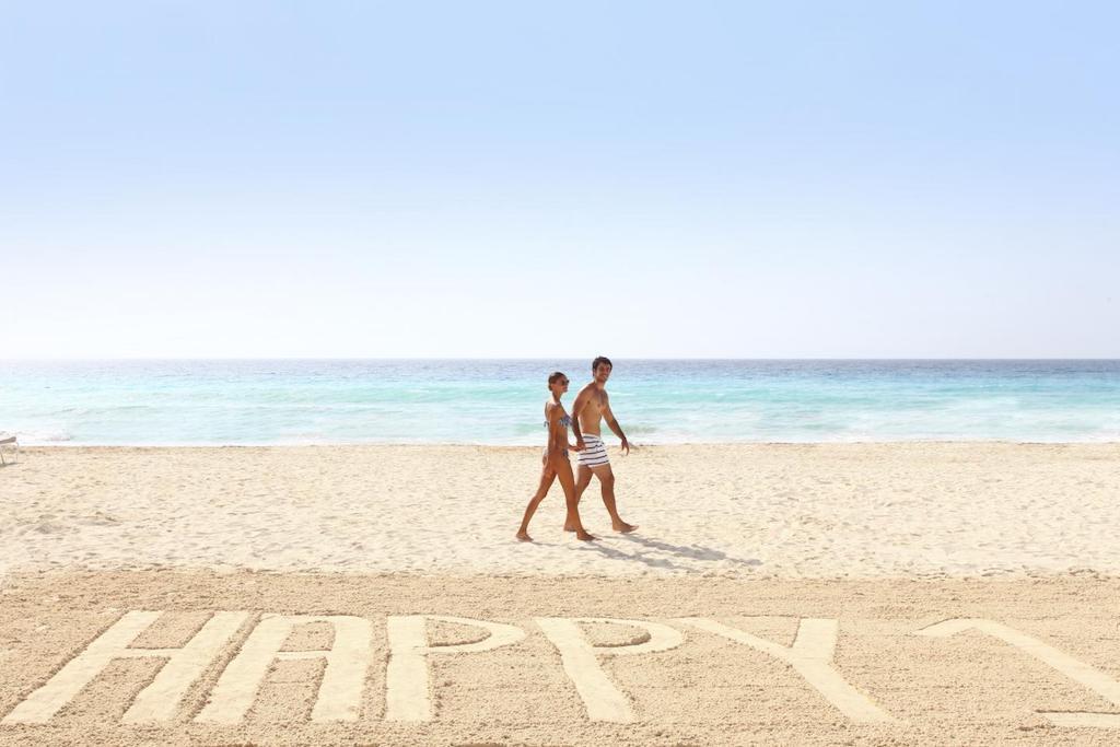 Sandos_cancun_Beach_22-min