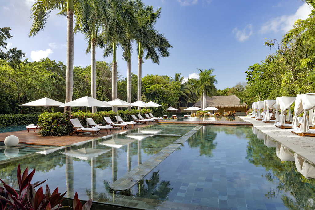 Grand-Velas-Riviera-Maya20-zen-pool,large.1582830678