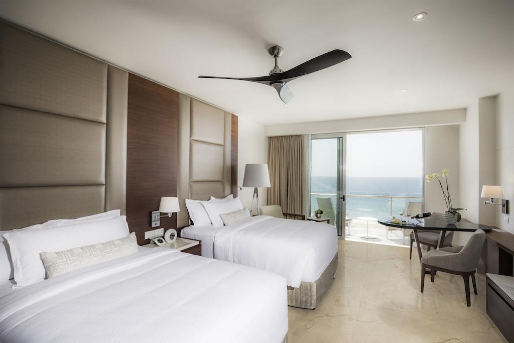 lblc_Room_Royale Deluxe Ocean View 1