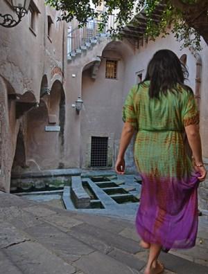 lavaotio-medievale-cefalu-turista