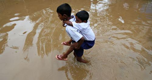 inundaciones-chicos