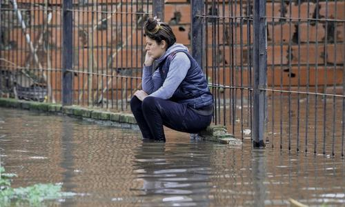 inundada-sentada