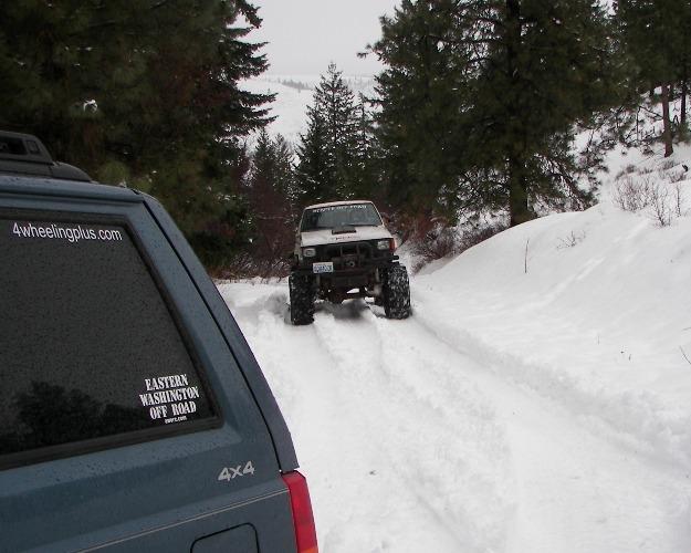 Photos: EWOR Pine Mountain New Year 4×4 Snow Run 40