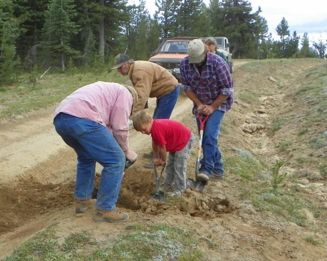 Photos: Trail 4W613 Work Day 12