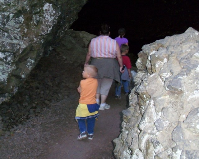 Photos: Boulder Cave Hike and Sightseeing Drive 19