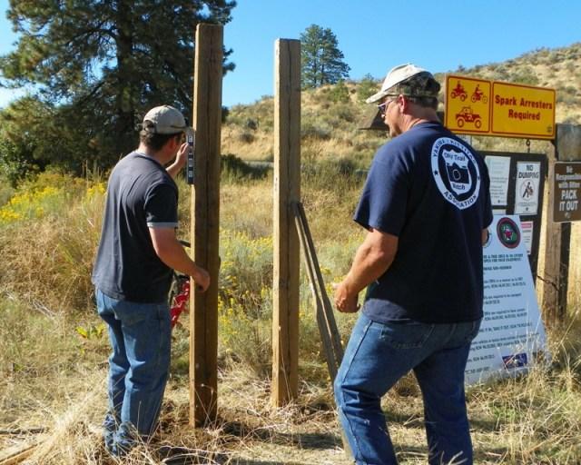 Photos: National Public Lands Day Volunteer Work in Yakima County 30