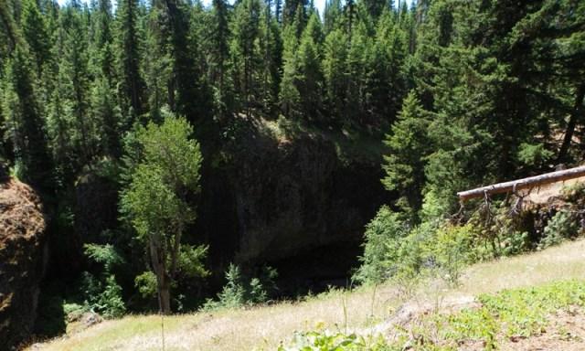 Boulder Cave Hike 20