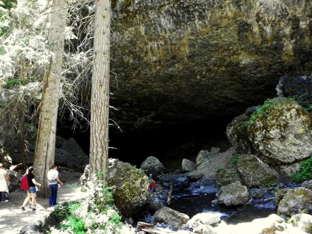 Boulder Cave Hike 28