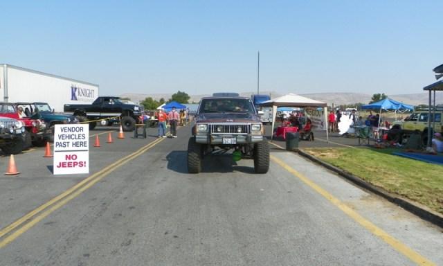 2011 Jeeping Nomads 4×4 Swap Meet 7