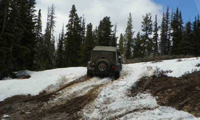 Memorial Day 4×4 Snow Run at the Ahtanum State Forest 43