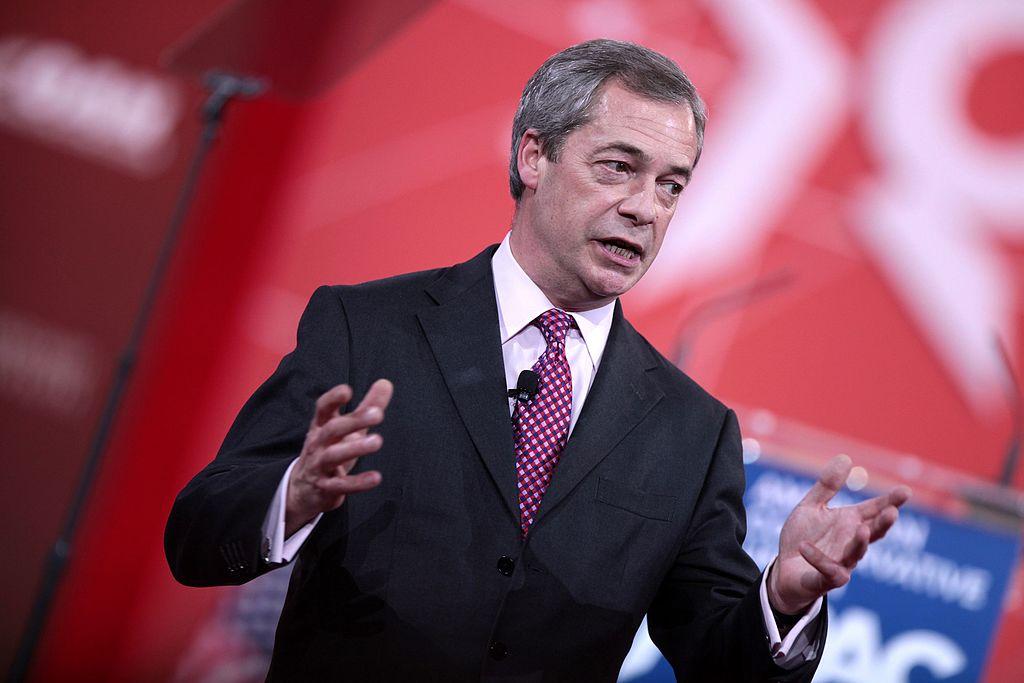 Acerca da ameaça dos Populismos de Direita à Democracia liberal